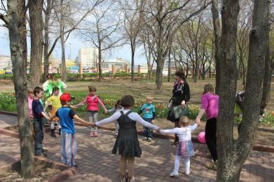 екскурсії у Кропивницкому  дендропарк 25-04-15