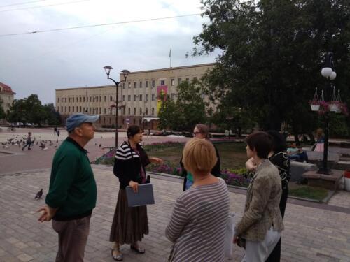 гід (екскурсовод) Світлана Грищук проводить практикум для гідів Кропивницького